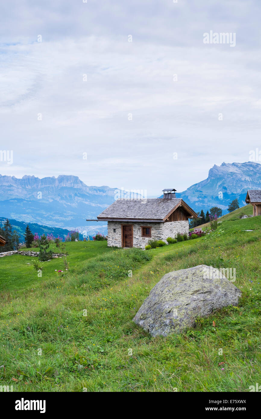 ST-GERVAIS-LES-BAINS, FRANCE - AUGUST 25: Chalet at the Truc Hostel, at bottom of the Domes de Miage mountain. This - Stock Image
