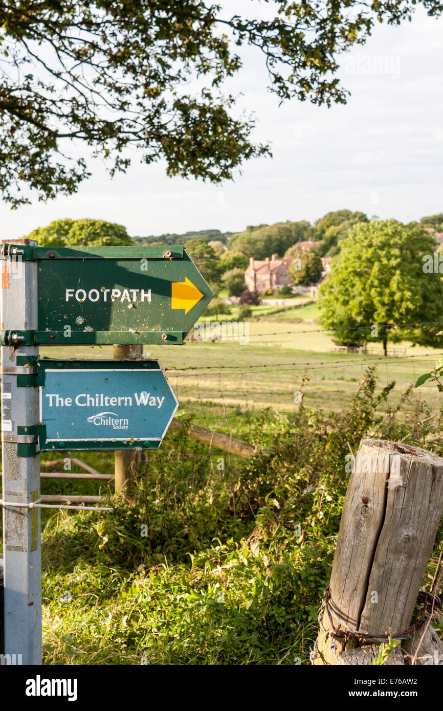 View of Ewelme, Oxfordshire, England, GB, UK, from the Chiltern Way footpath. - Stock Image