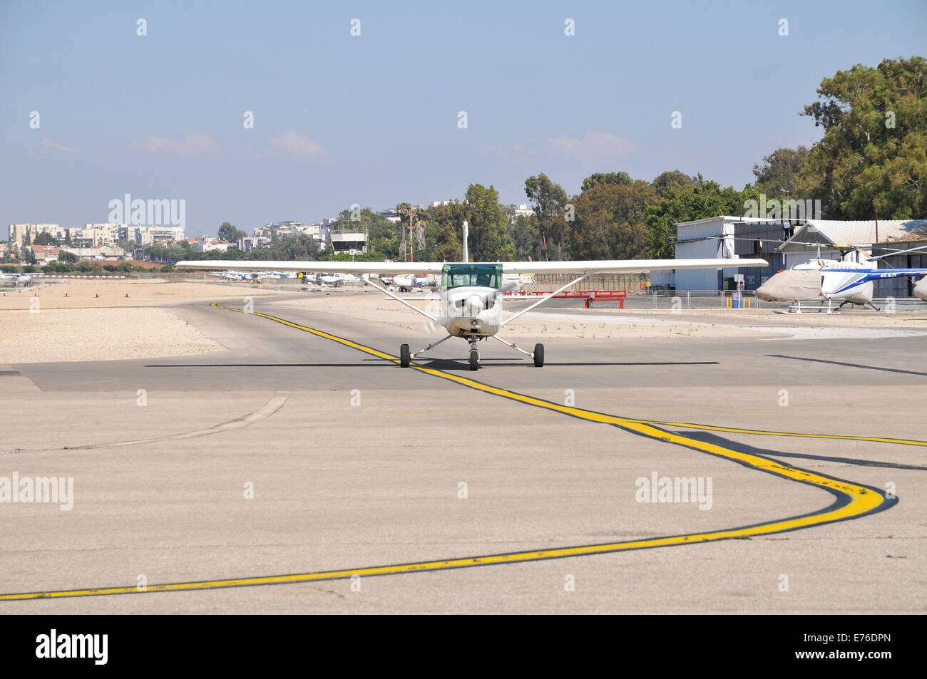 Cessna 152 single engine plane ready for takeoff - Stock Image