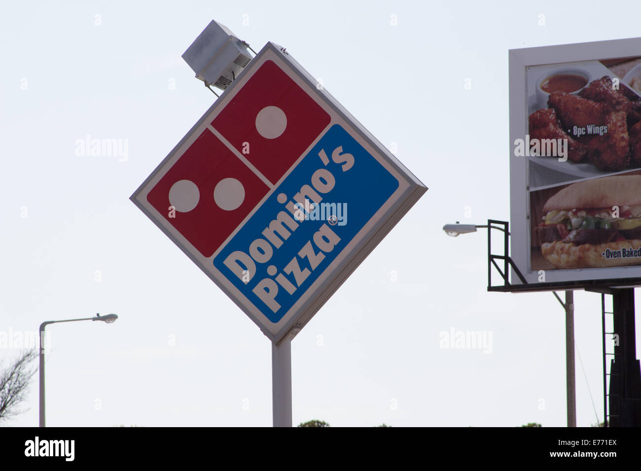 Dominos Pizza Sign Stock Photos & Dominos Pizza Sign Stock Images ...