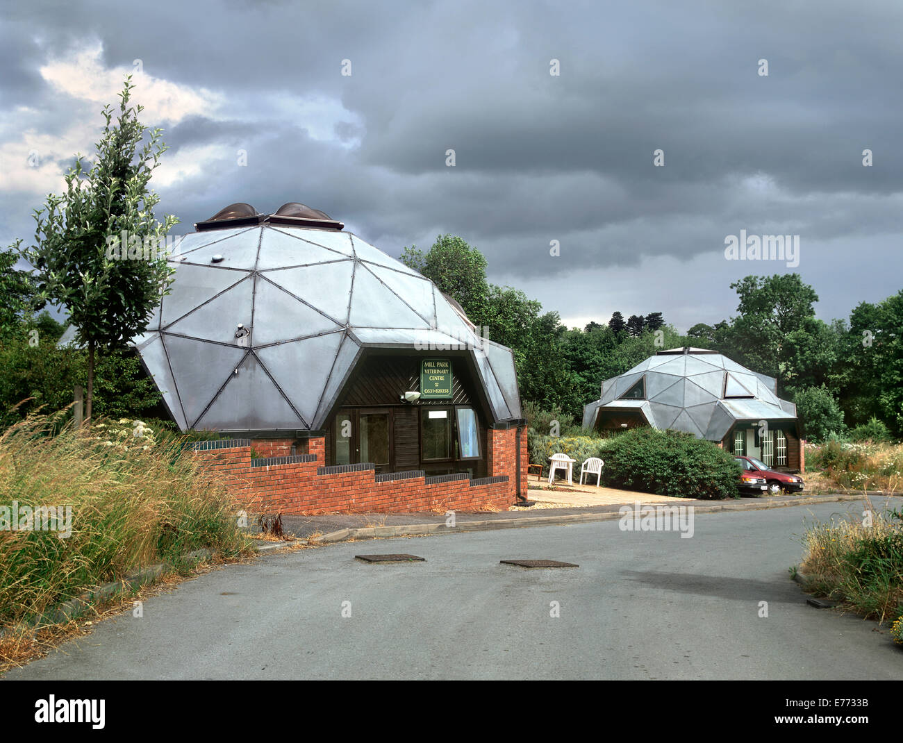 Geodesic domes housing the Mill Park Veterinary centre, Newent, Gloucestershire - Stock Image