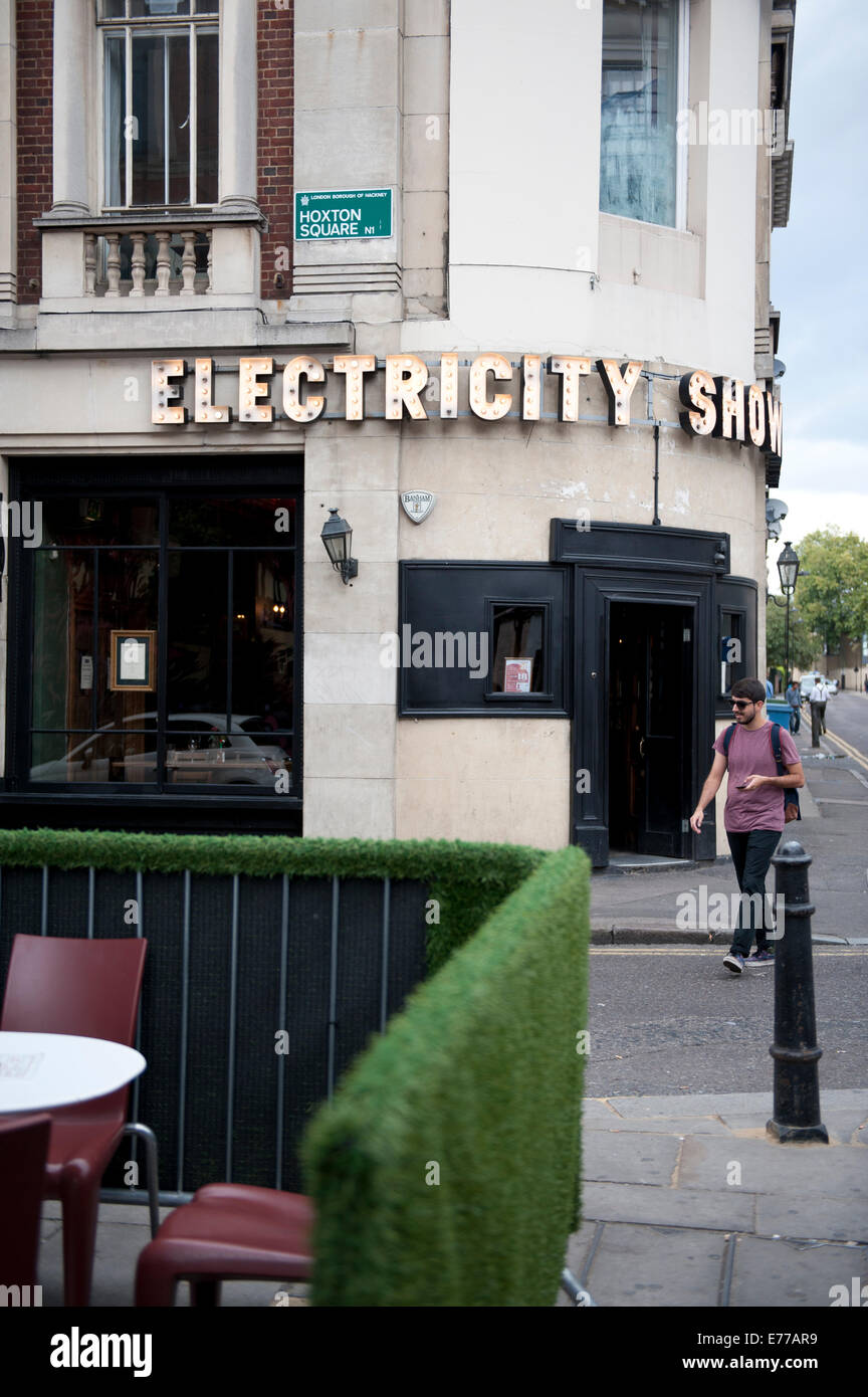 Electricity Showrooms on the corner in Shoredtich Hoxton East End Area - Stock Image