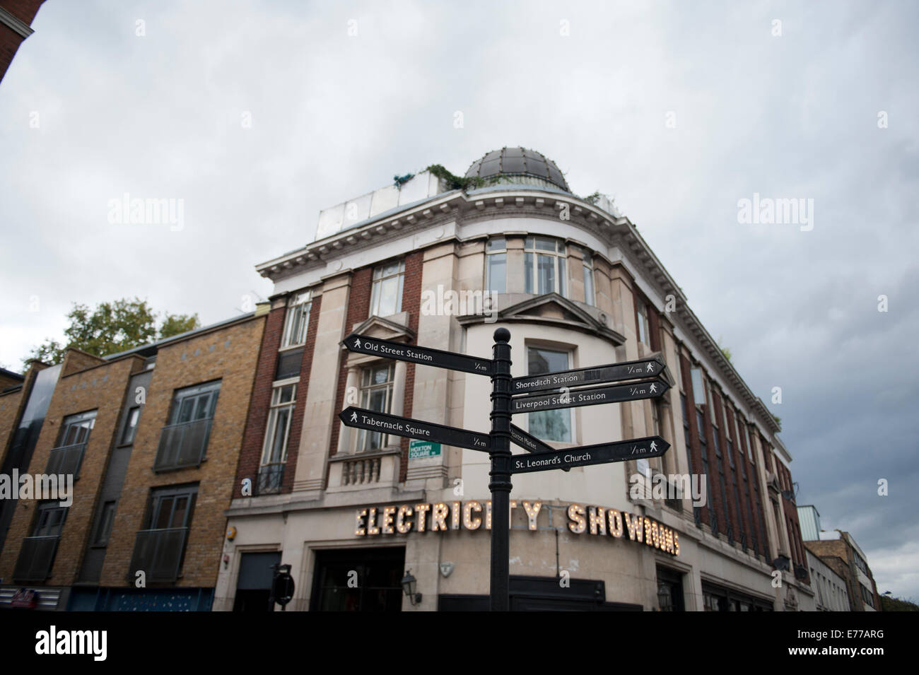 The Electricity Showrooms in Shoreditch with arrows to other nearby areas of interest. - Stock Image