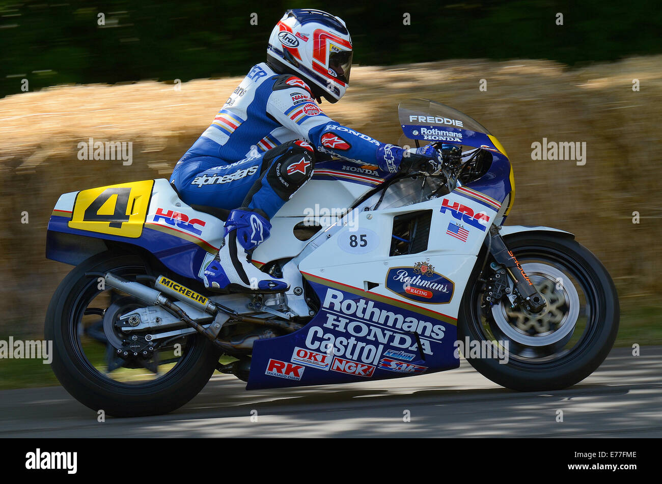 Freddie Spencer riding the Honda NSR500 that he rode to victory in Stock Photo: 73310062 - Alamy