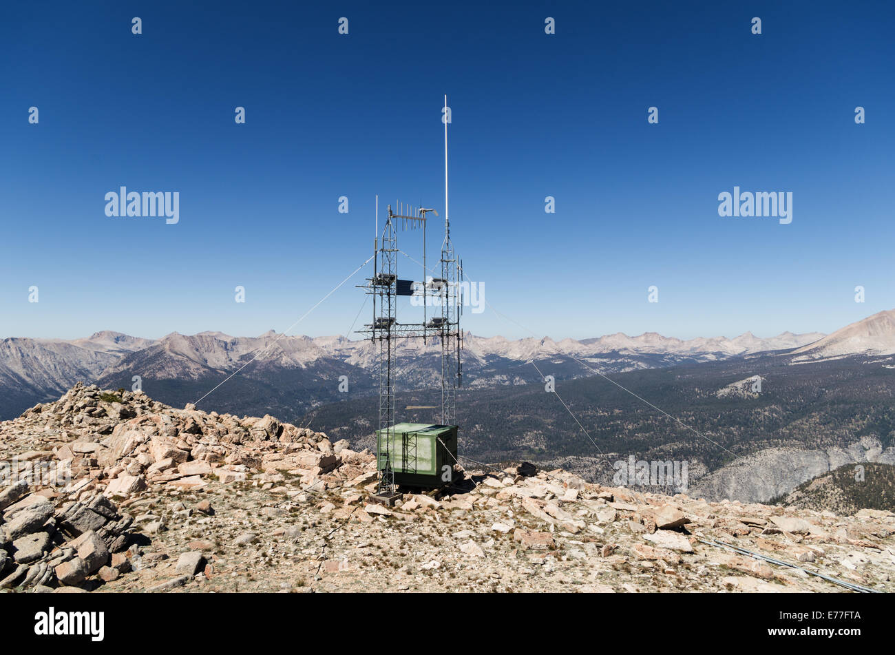 radio repeater antenna array on top of Mount Anna Mills in the southern Sierra Nevada Mountains - Stock Image
