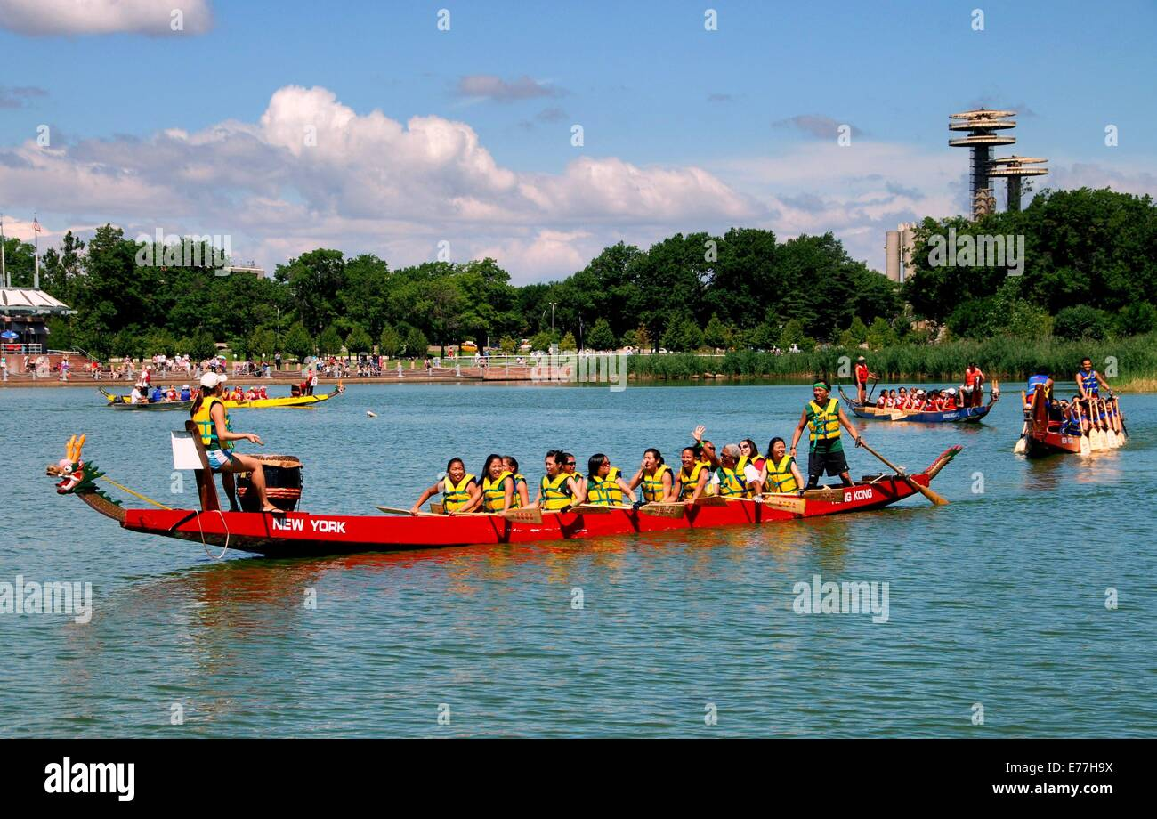The Dragon Boat Festival Races Stock Photos & The Dragon Boat ...