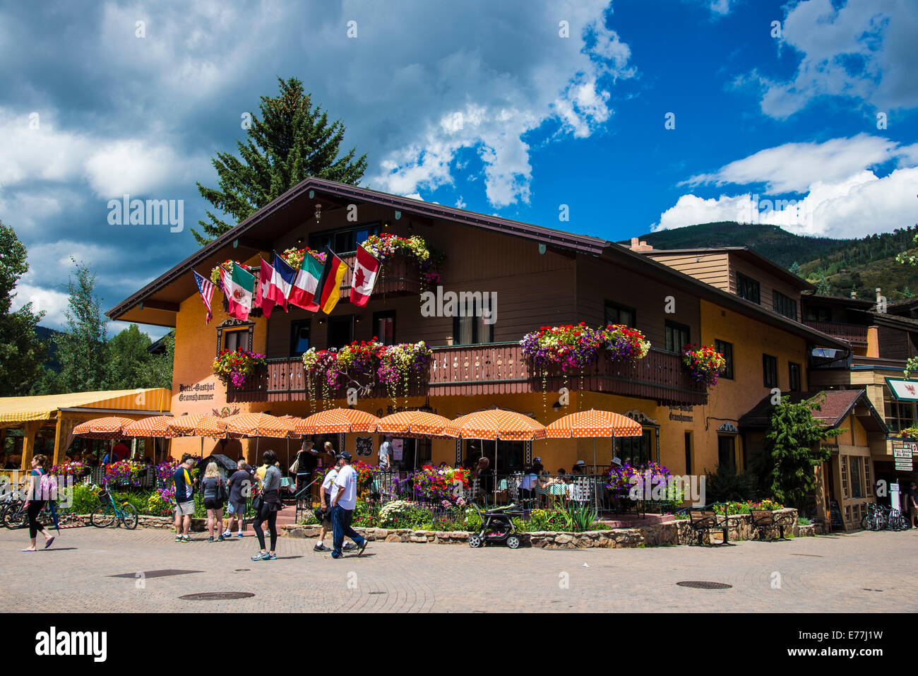 Street Scene In Vail Colorado shjowing flags and building - Stock Image
