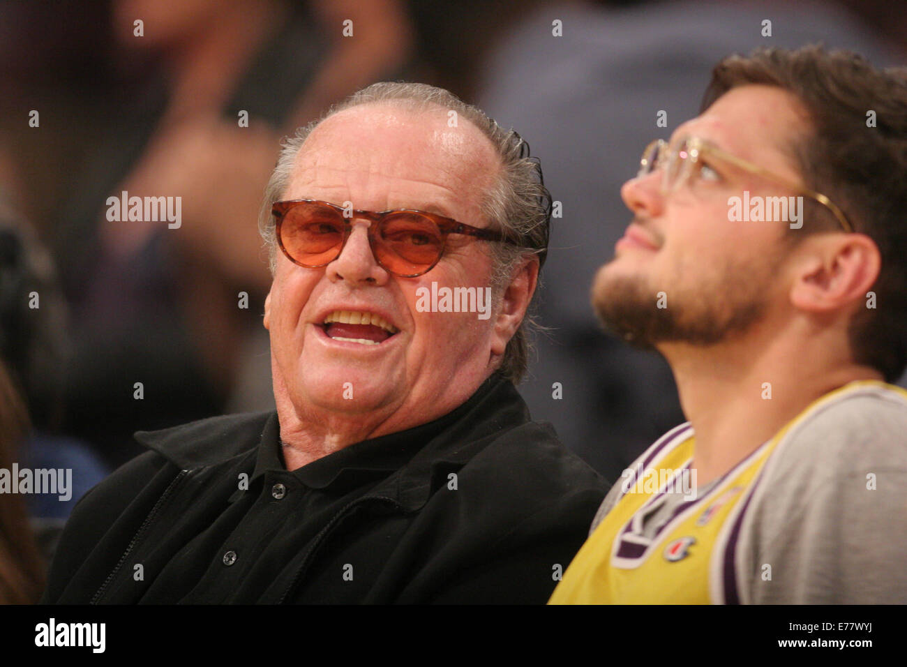 Jack Nicholson And Raymond Nicholson High Resolution Stock Photography And Images Alamy Lakers home game debut at staples center. https www alamy com stock photo celebrities courtside at the los angeles lakers v los angeles clippers 73318102 html