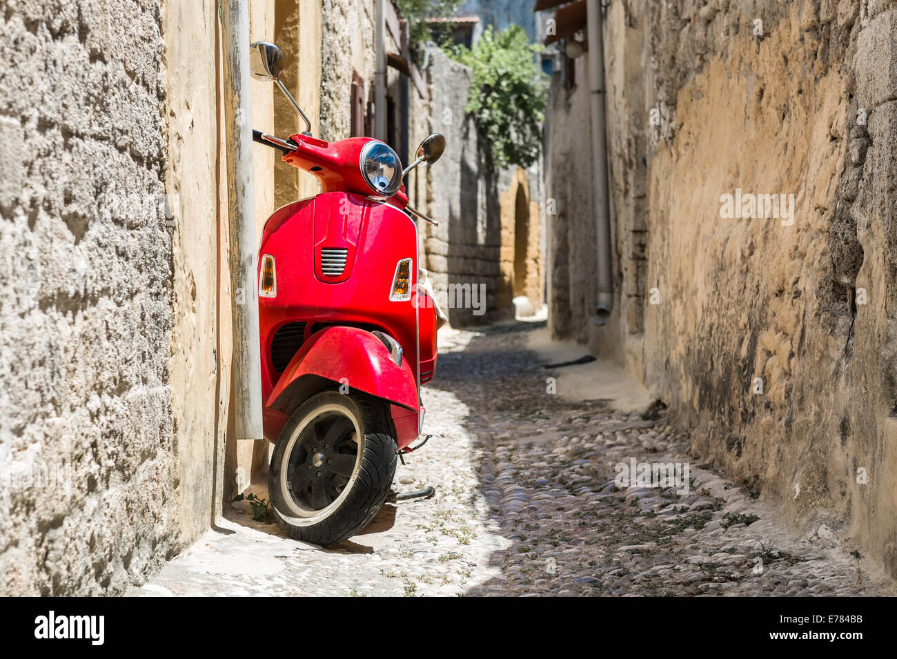 Classic red scooter - Stock Image