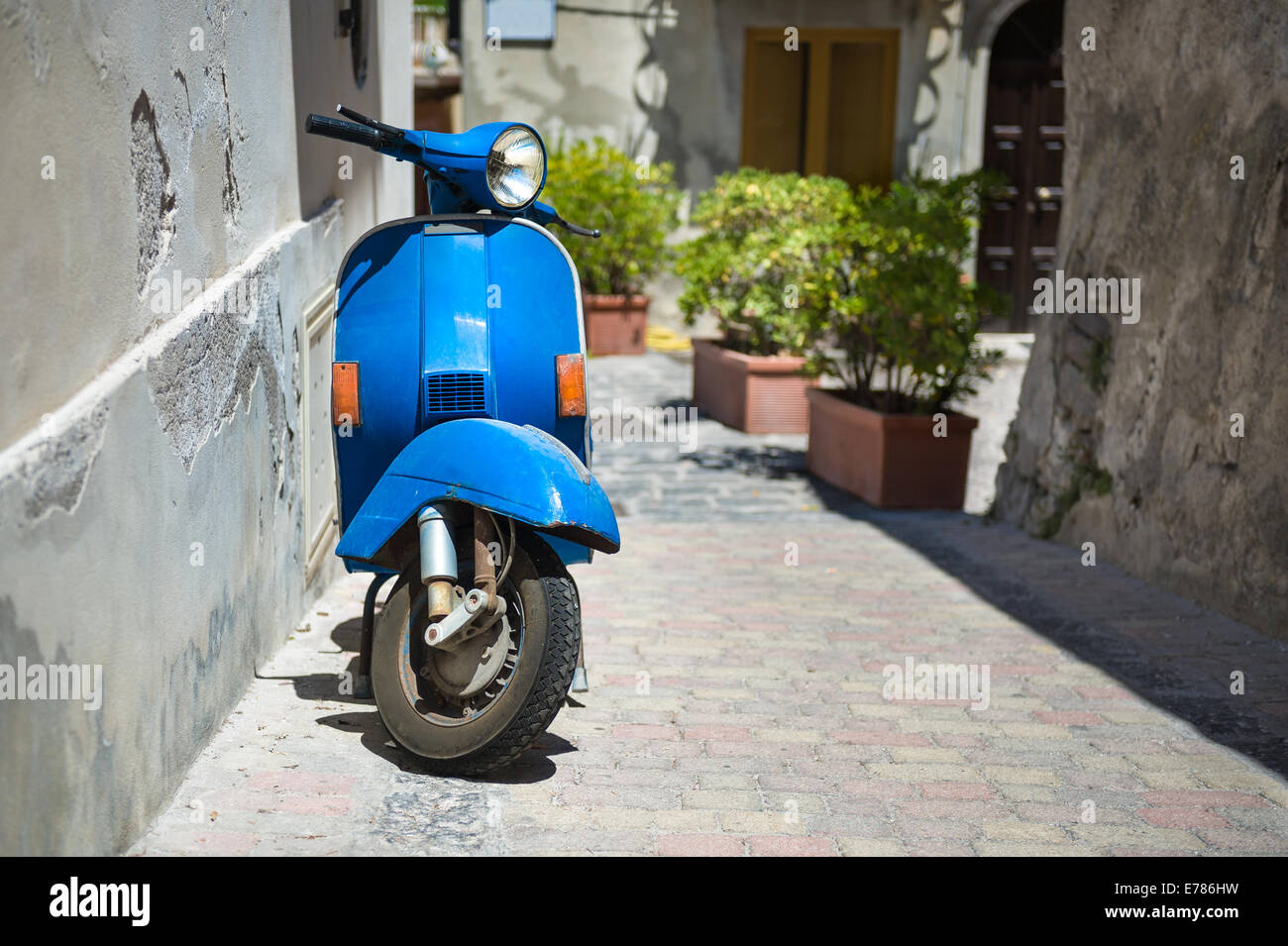 Retro blue scooter - Stock Image