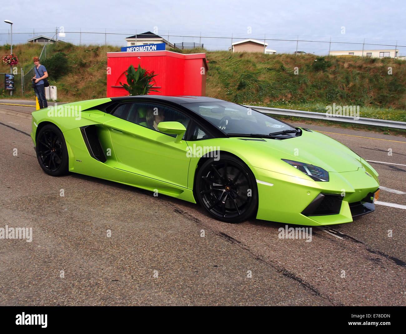Green LAMBORGHINI AVENTADOR, licence 2-TJD-38, pic2 - Stock Image