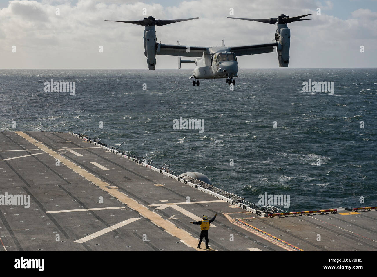 A U.S. Marine Corps MV-22 Osprey tiltrotor aircraft assigned to Marine Operational Test and Evaluation Squadron Stock Photo