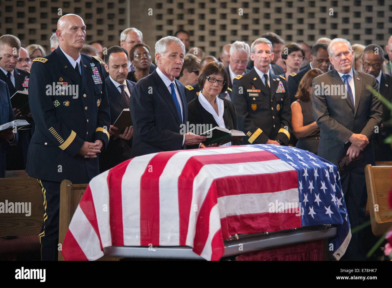 The chief of staff of the U.S. Army, Gen. Raymond T. Odierno, the U.S. secretary of defense, Chuck Hagel, and the - Stock Image
