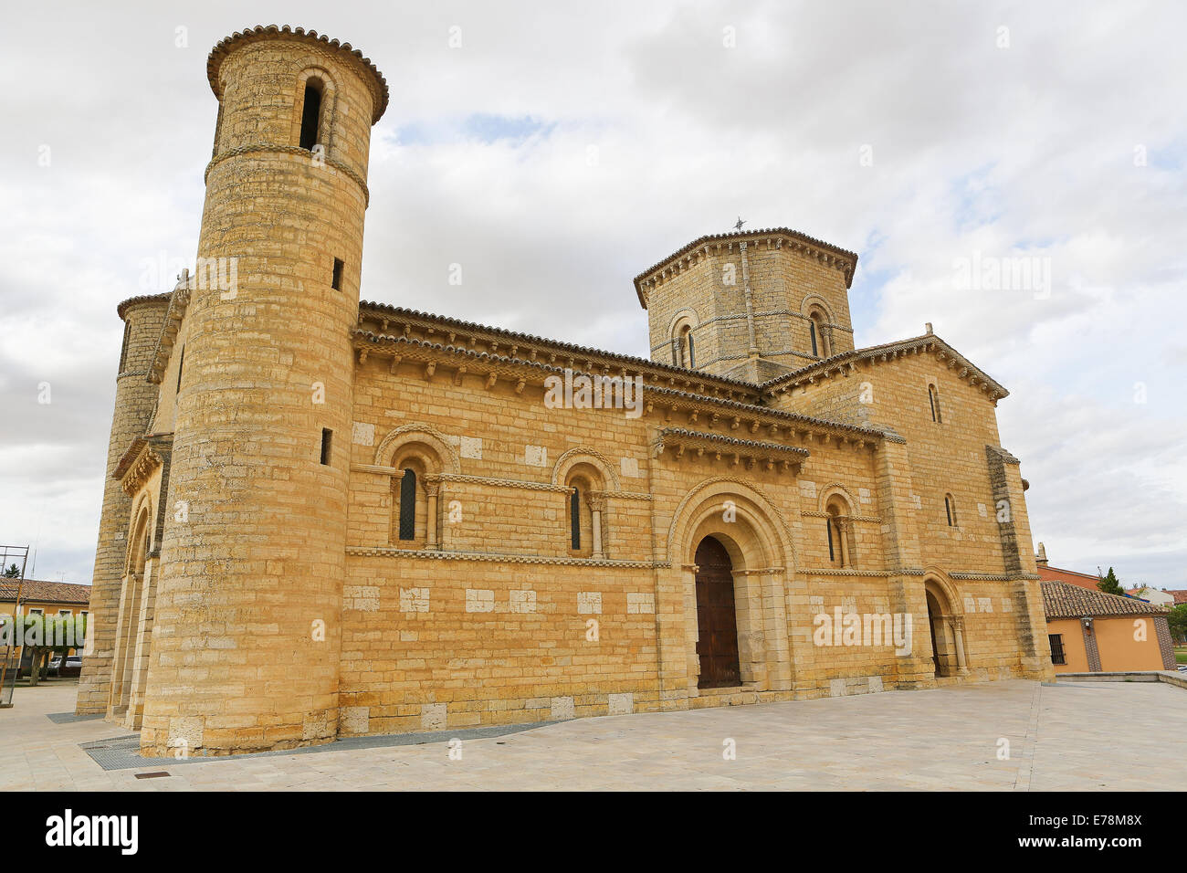 Famous Romanesque church of St Martin of Tours (11th Century) in Fromista, Castille and Leon, Spain. - Stock Image
