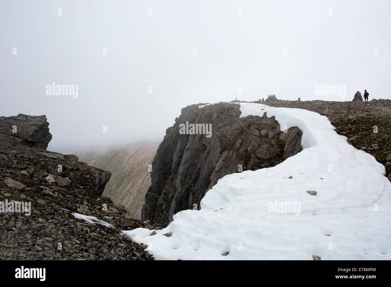 Ben Nevis's perilous cliff edge Stock Photo