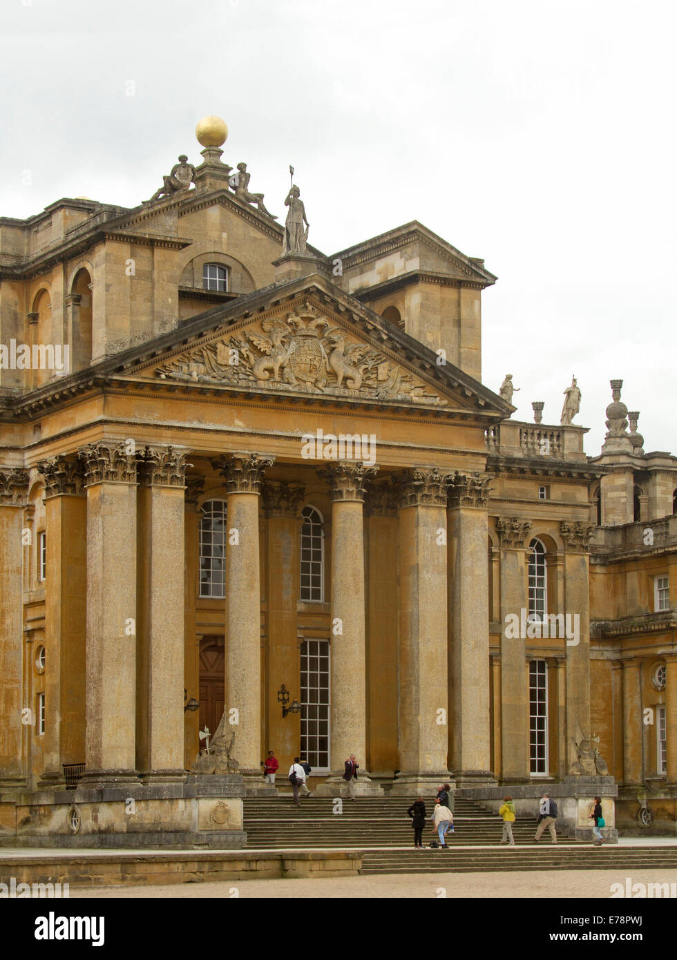 blenheim palace architect