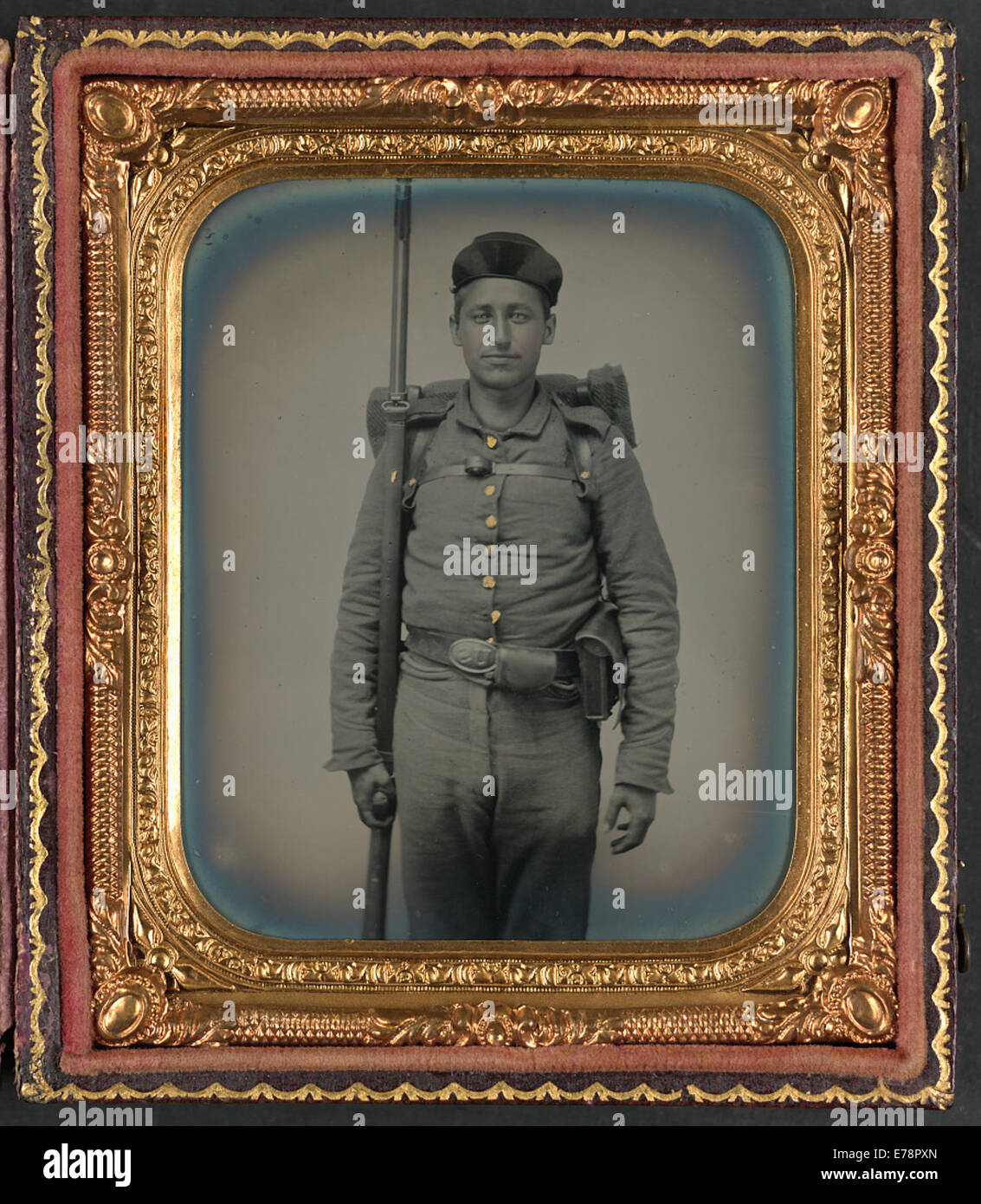 [Unidentified soldier in Ohio Volunteer Militia uniform with bedroll - Stock Image