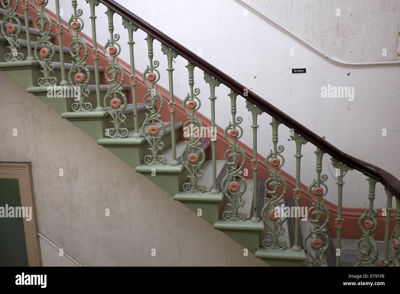 Delicieux Old Cast Iron Staircase Empty Gloomy Old Building Stock ...