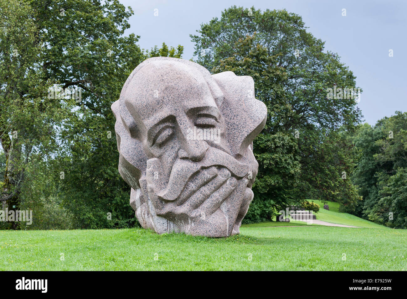 Natural stone sculpture 'Father of the Songs' on Dainas Hill, by sculptor Indulis Ranka, Folk Song Park, - Stock Image