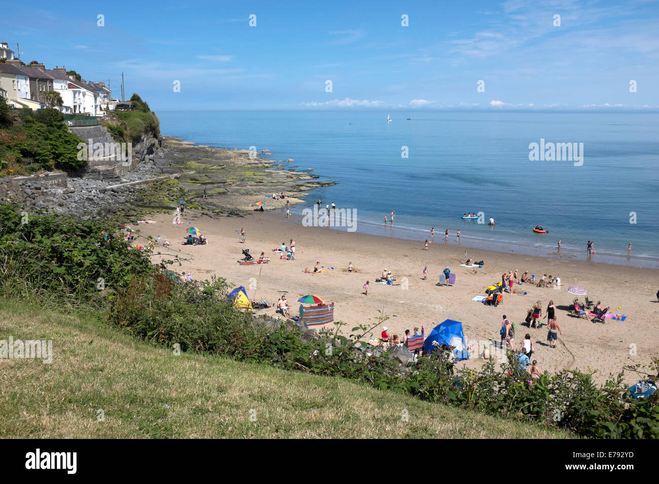 New Quay Wales Summer Time Busy Blue Sky Hot Holiday - Stock Image