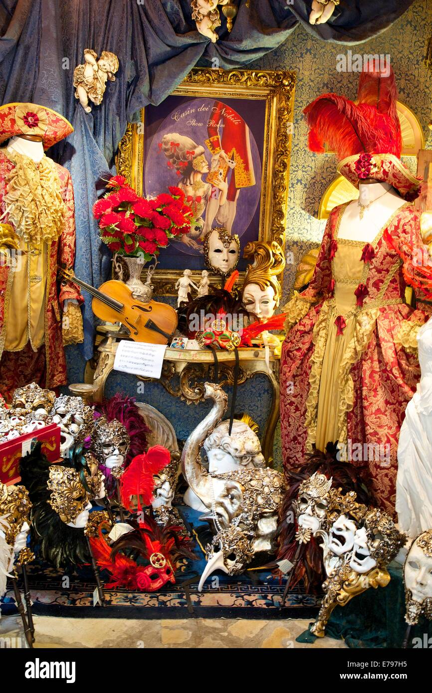 Shop selling venetian masks and costumes, Venice, Italy, Europe - Stock Image