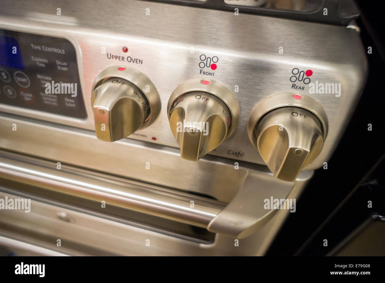 A General Electric gas stove in a Home Depot in New York Stock Photo
