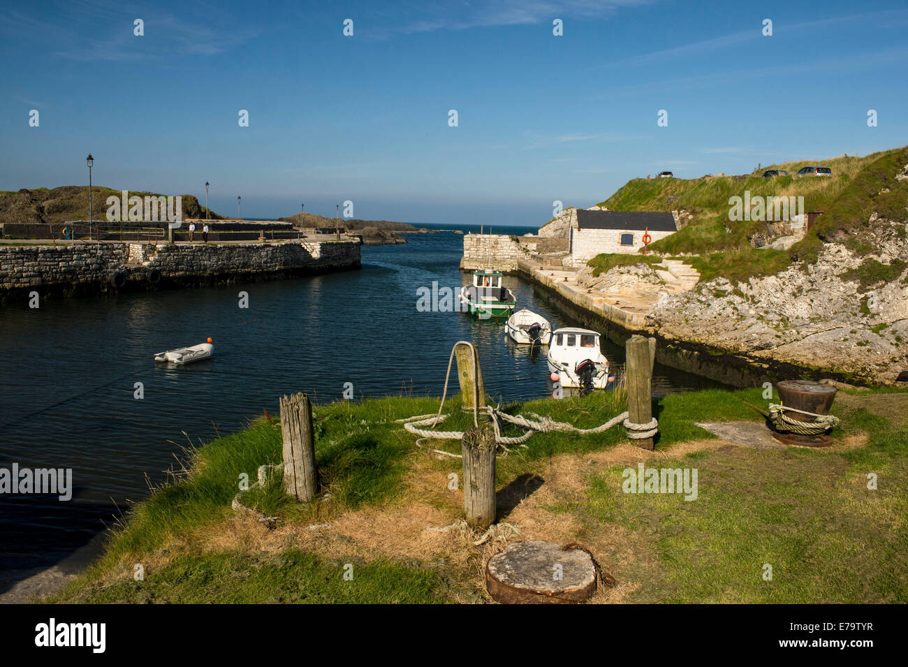 Ballintoy, County Antrim, Northern Ireland. 10th Sep, 2014. A warm sunny day at Ballintoy Harbour, Country Antrim. Stock Photo