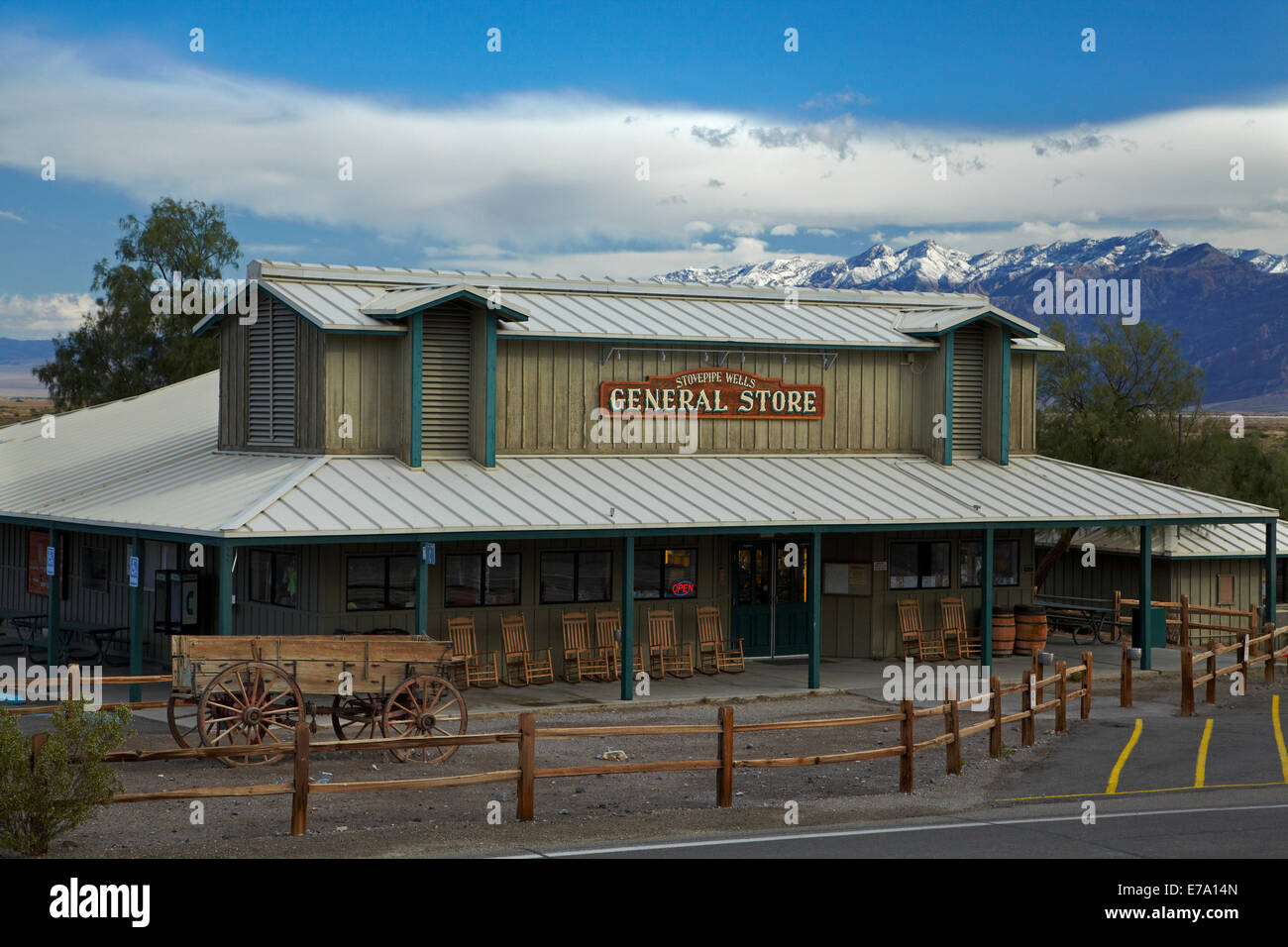 Stovepipe Wells General Store, and snow on Grapevine Mountains, Amargosa Range, Death Valley National Park, Mojave - Stock Image