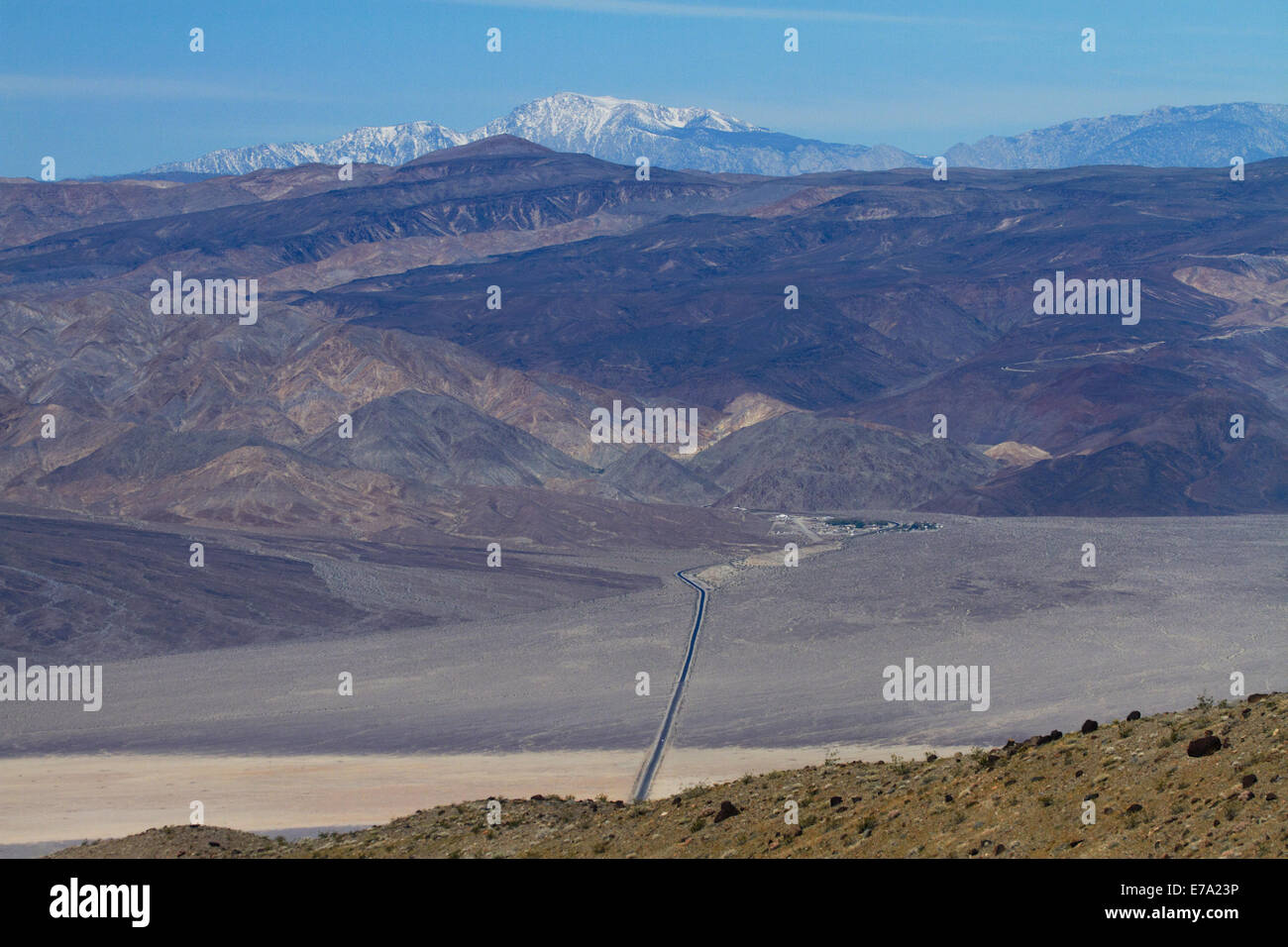 State Route 190 through Panamint Valley towards Panamint Springs, Death Valley National Park, Mojave Desert, with Darwin Hills a Stock Photo