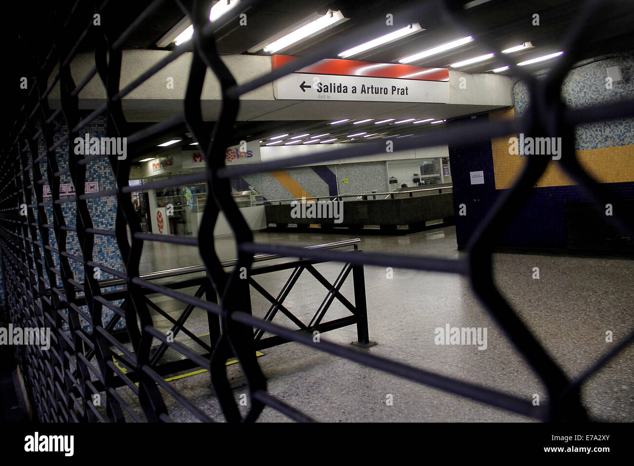 Santiago. 10th Sep, 2014. Image shows one of the exits of the Chile Metro Station that was evacuated because of - Stock Image