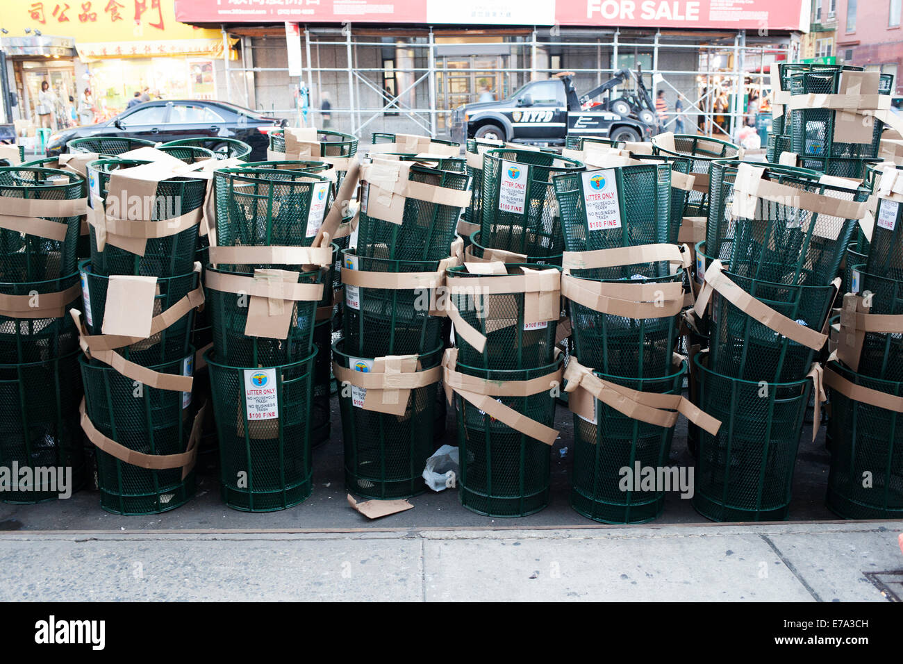 New York City Trash Cans - New - Stock Image