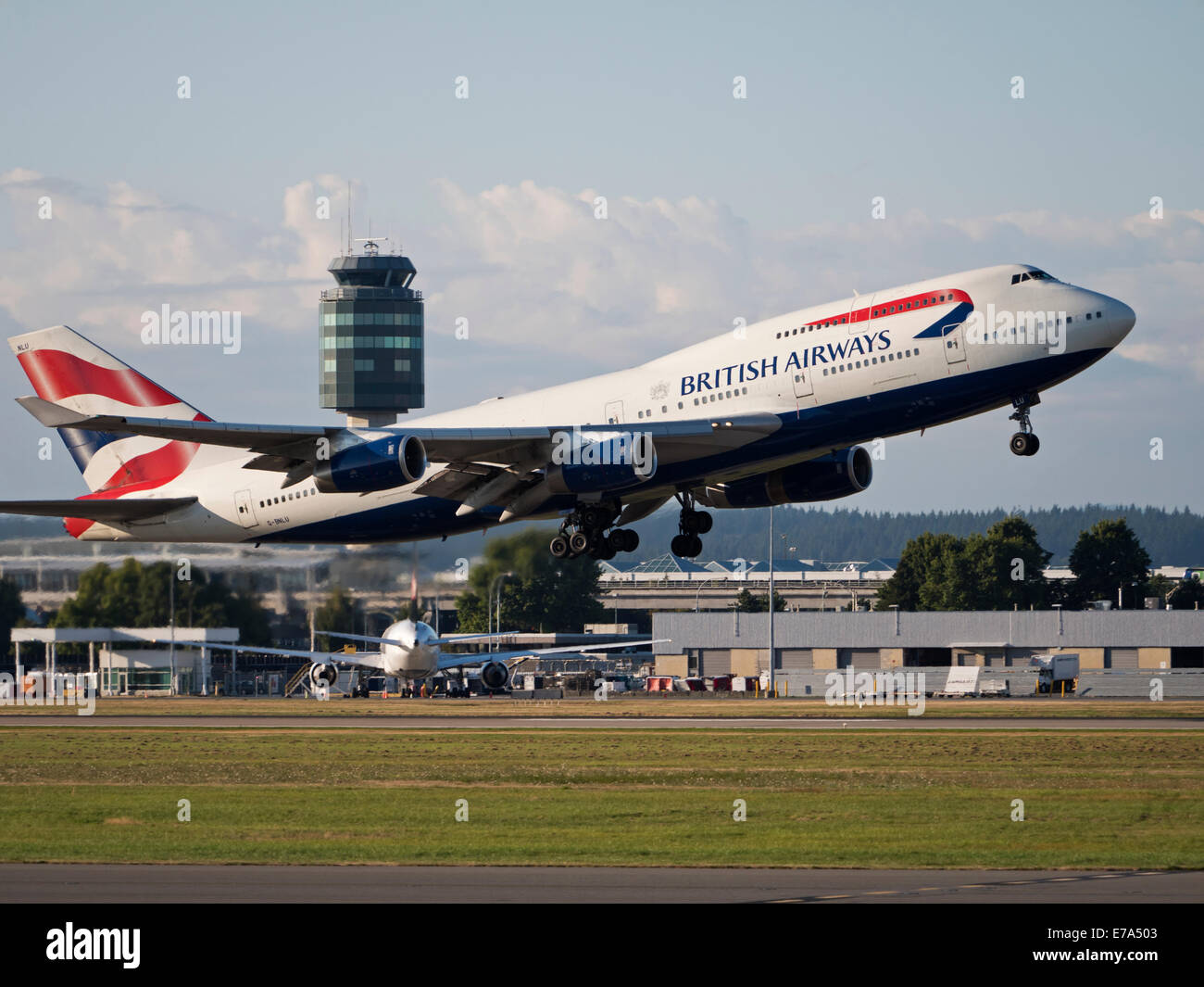 Wheels Up Aviation >> A British Airways Boeing 747-400 (G-BNLU) wide-body jumbo jet takes Stock Photo: 73367507 - Alamy