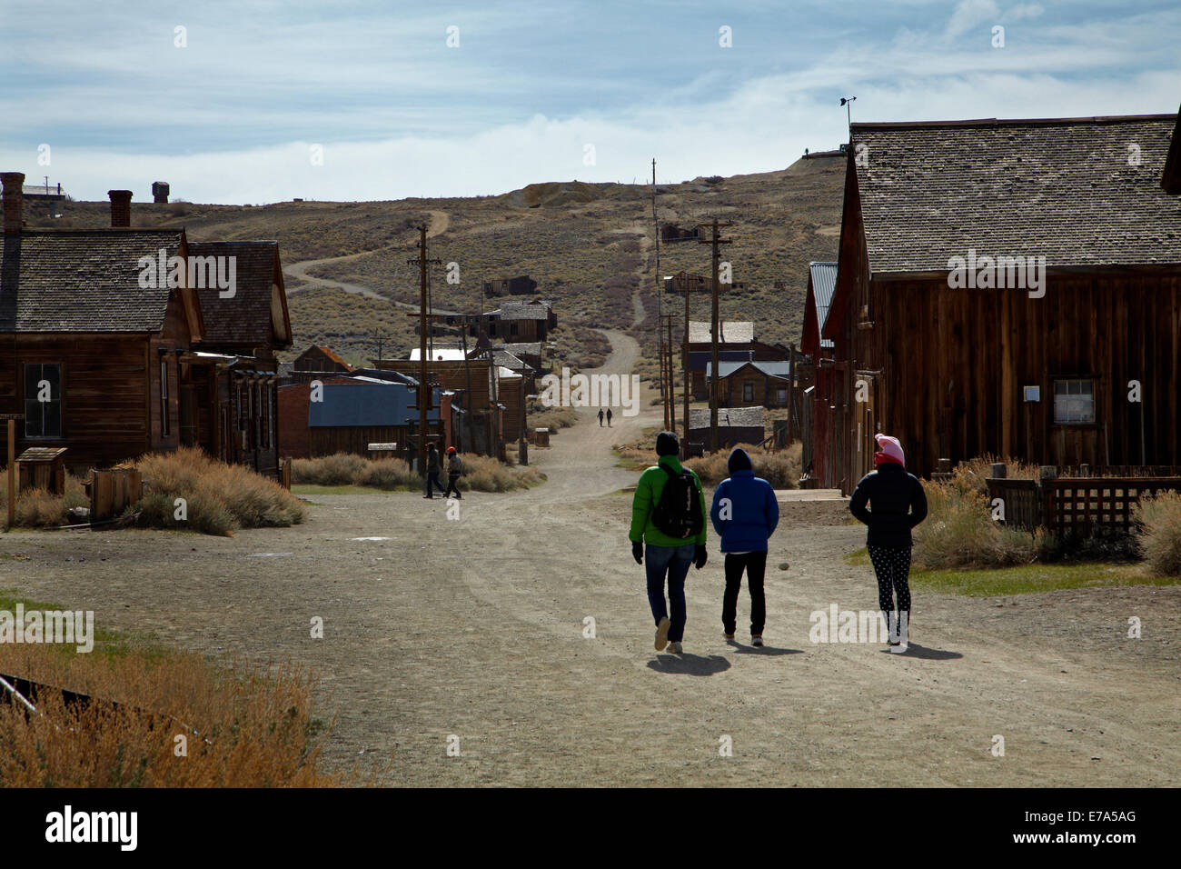 Tourists, Green Street, Bodie Ghost Town, Bodie Hills, Mono County, Eastern Sierra, California, USA - Stock Image