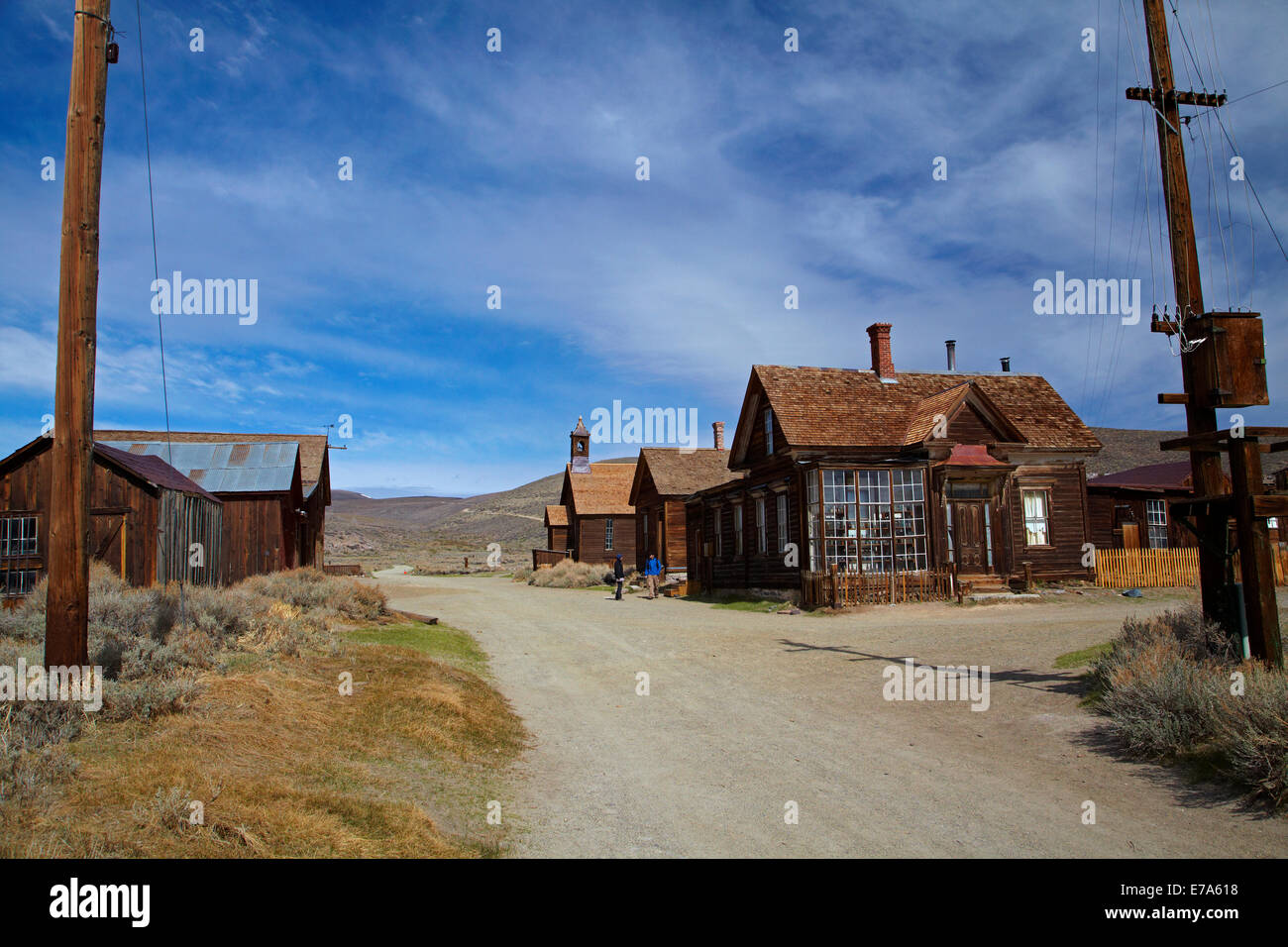 Tourists on Green Street, Bodie Ghost Town ( elevation 8379 ft / 2554 m ), Bodie Hills, Mono County, Eastern Sierra, - Stock Image