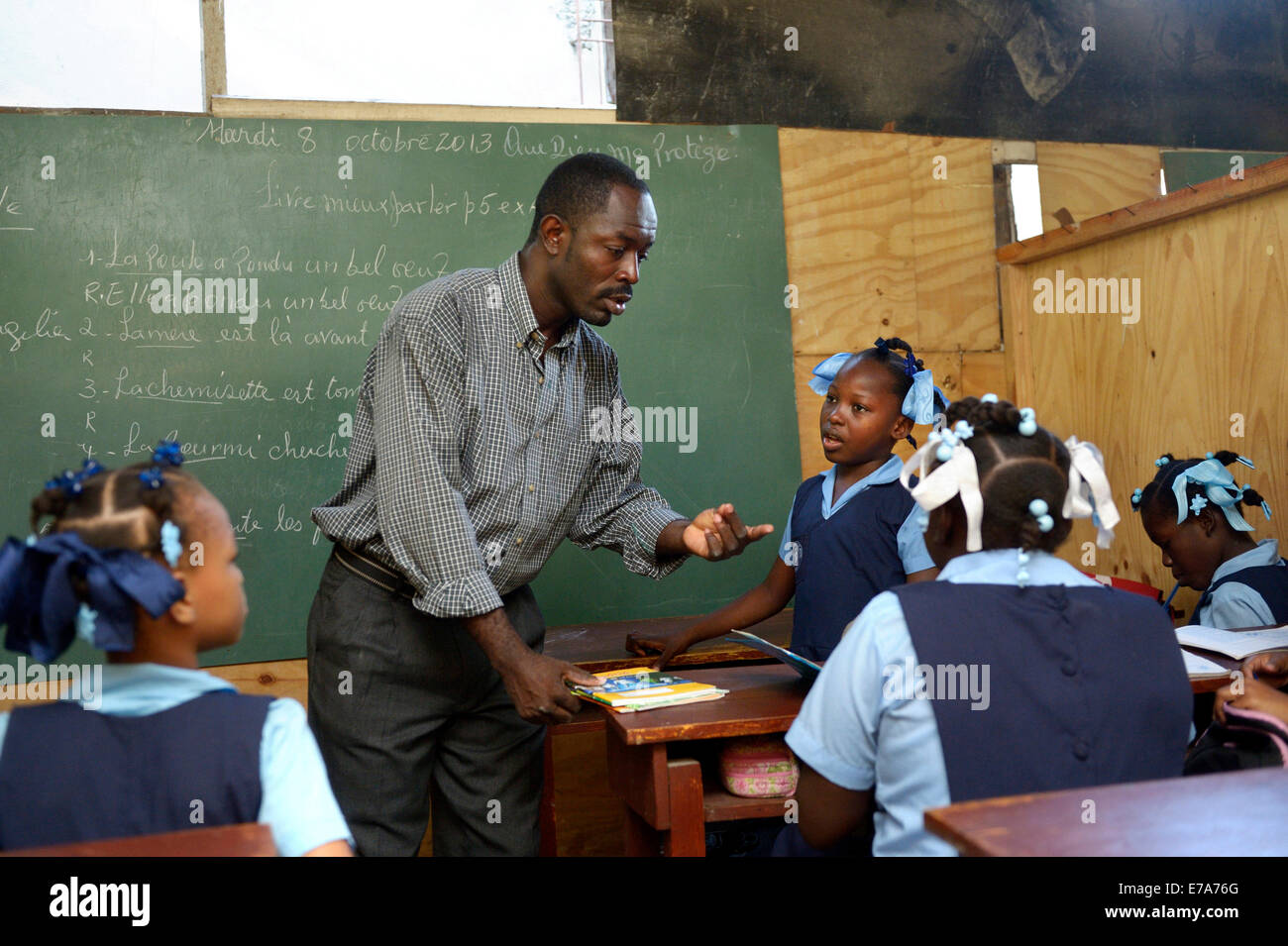 Teaching in a school for earthquake refugees, Fort National, Port-au-Prince, Haiti - Stock Image