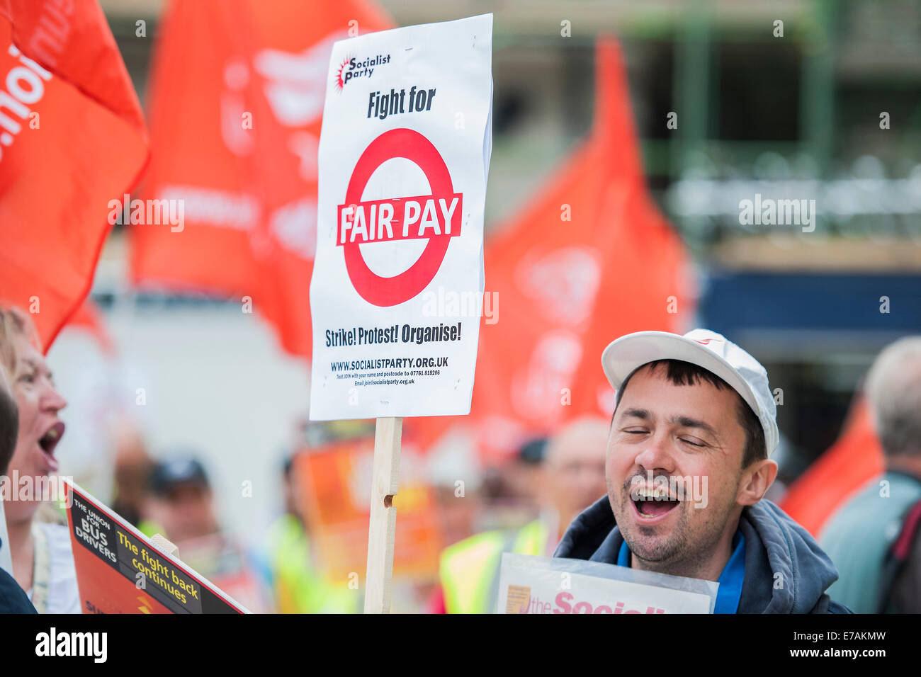 London, UK. 11th September, 2014. Bus drivers and members of Unite protest about unequal pay (and terms and conditions) - Stock Image