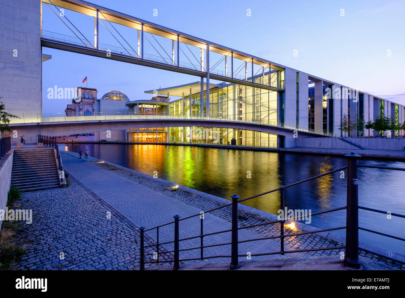 Government buildings Paul Loebe haus part of Bundestag at Regierungsviertel (Government District)  beside Spree - Stock Image