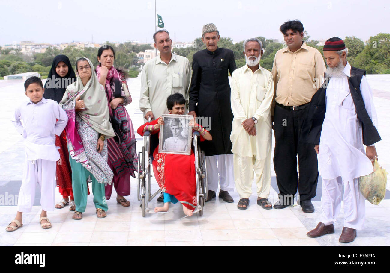 Karachi, Pakistan. 11th Sep, 2014. Members of Jinnah family are coming to place floral wreath on Quaid-e-Azam, Muhammad - Stock Image