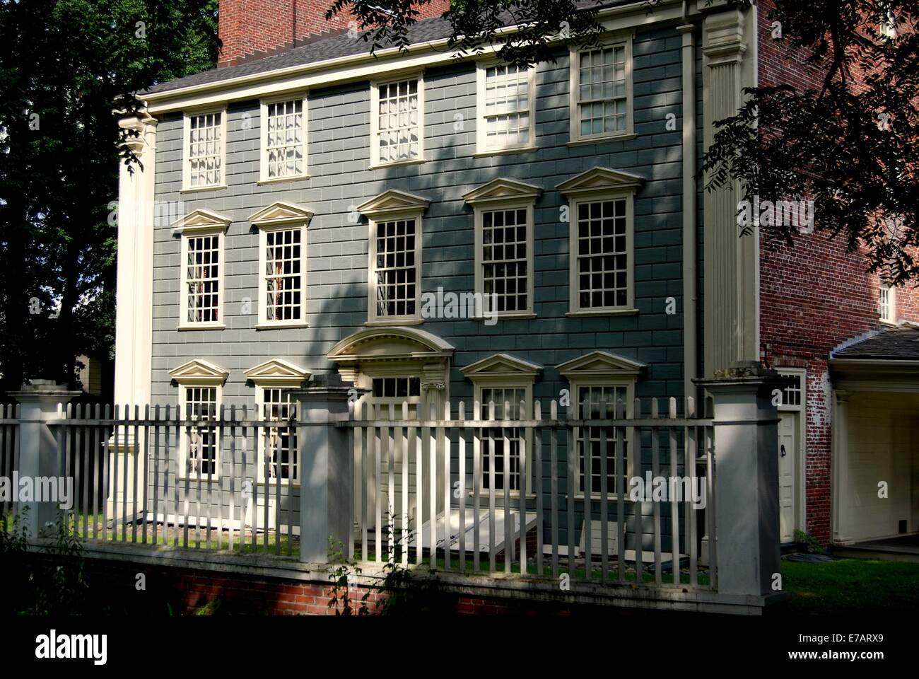 MEDFORD,  MASSACHUSETTS: The historic three-story 18th century Georgian style Isaac Royall House - Stock Image