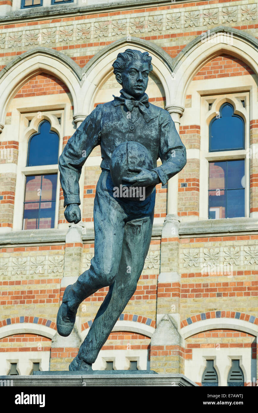 Statue Of William Webb Ellis By Sculptor Graham Ibbeson Outside The Rugby School - Stock Image