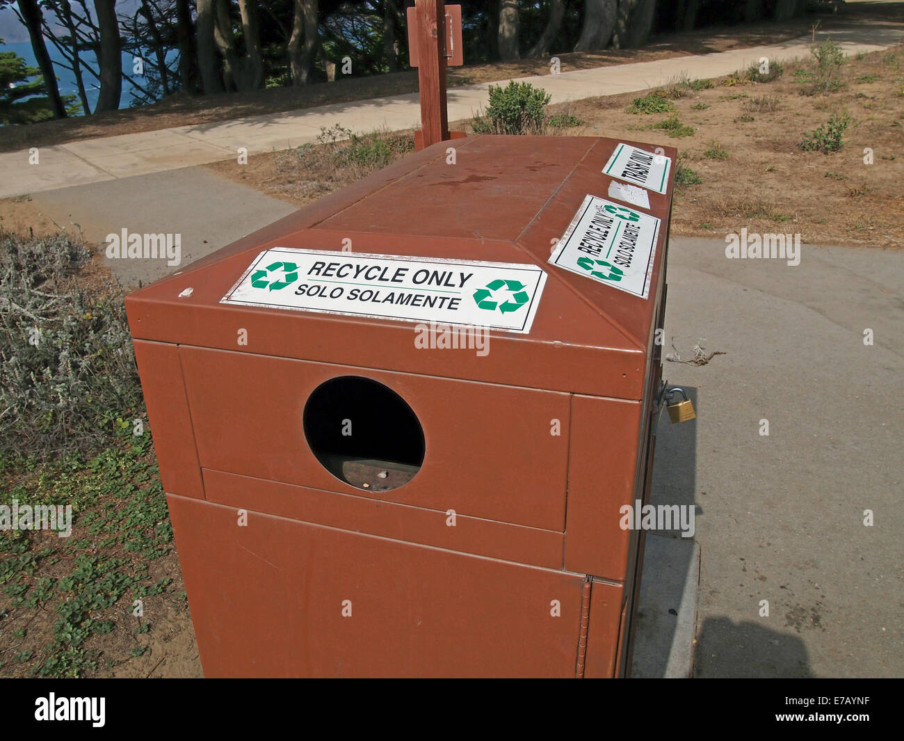 RECYCLE ONLY, SOLO SOLAMENTE, container - Stock Image
