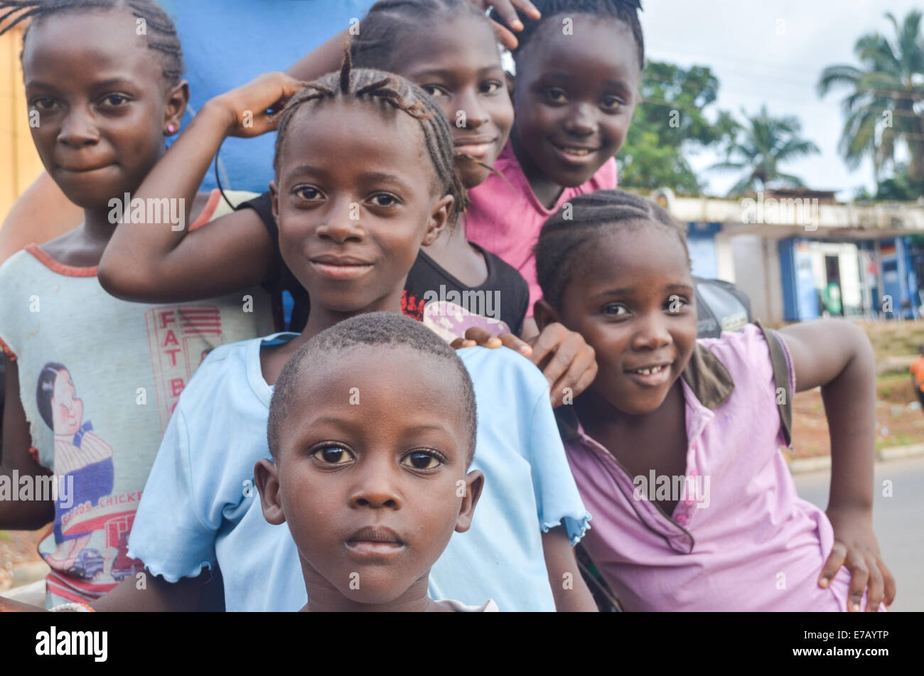 Young girls in the streets of Freetown, Sierra Leone, Africa - Stock Image