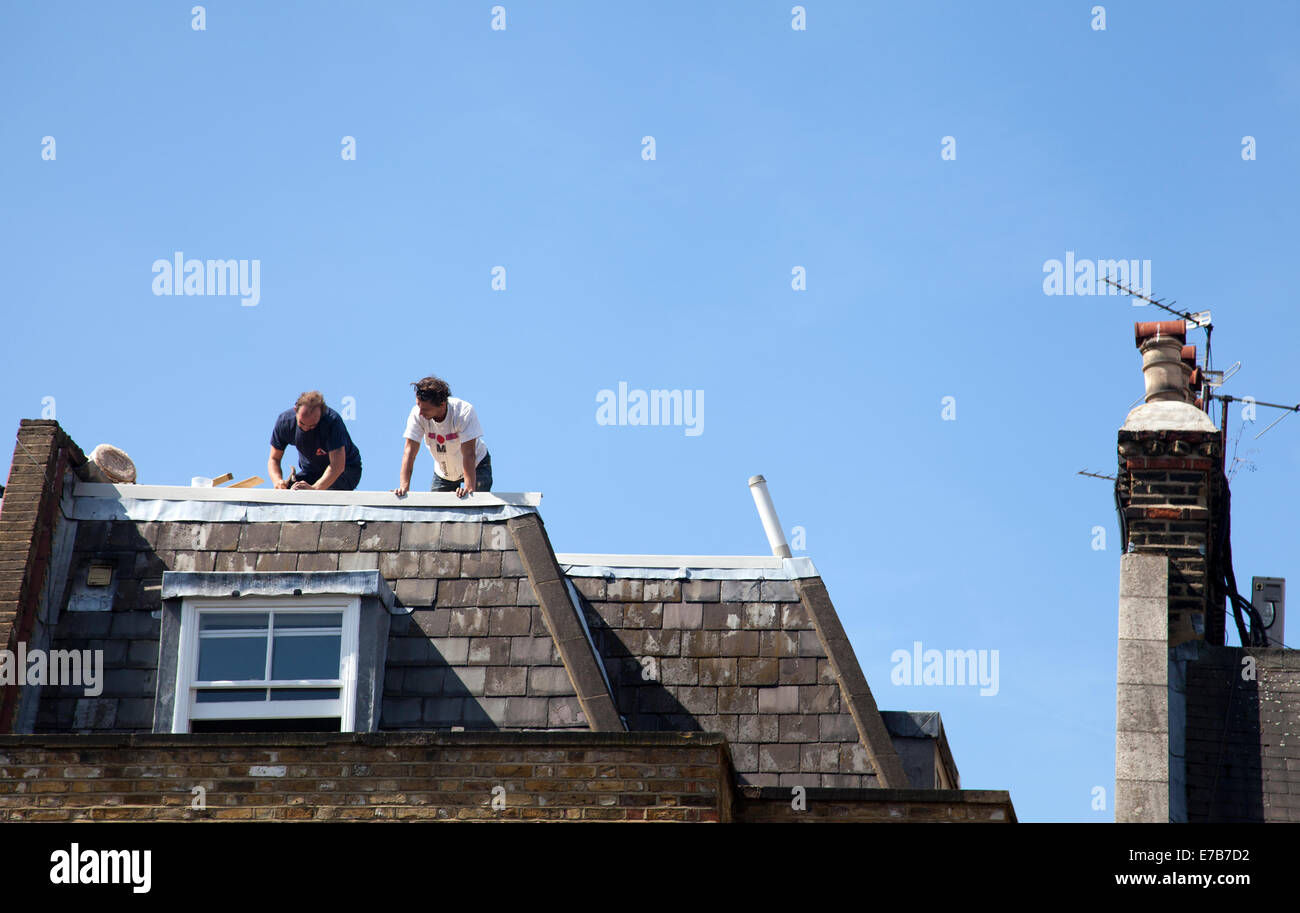 Roofers Stock Photos Amp Roofers Stock Images Alamy