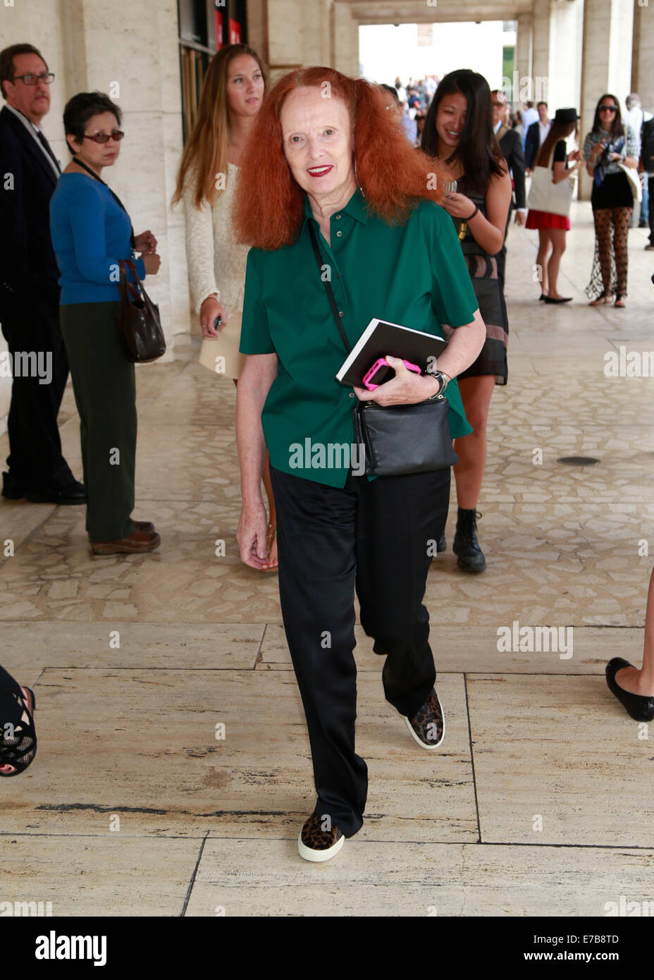 Grace Coddington, Vogue Creative Director leaving the Carolina Herrera runway show in New York City - Sept 8, 2014 - Stock Image