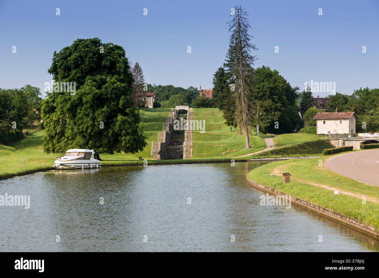 Rogny Les Sept Ecluses, The old staircase of seven locks of the Briare Canal France - Stock Image