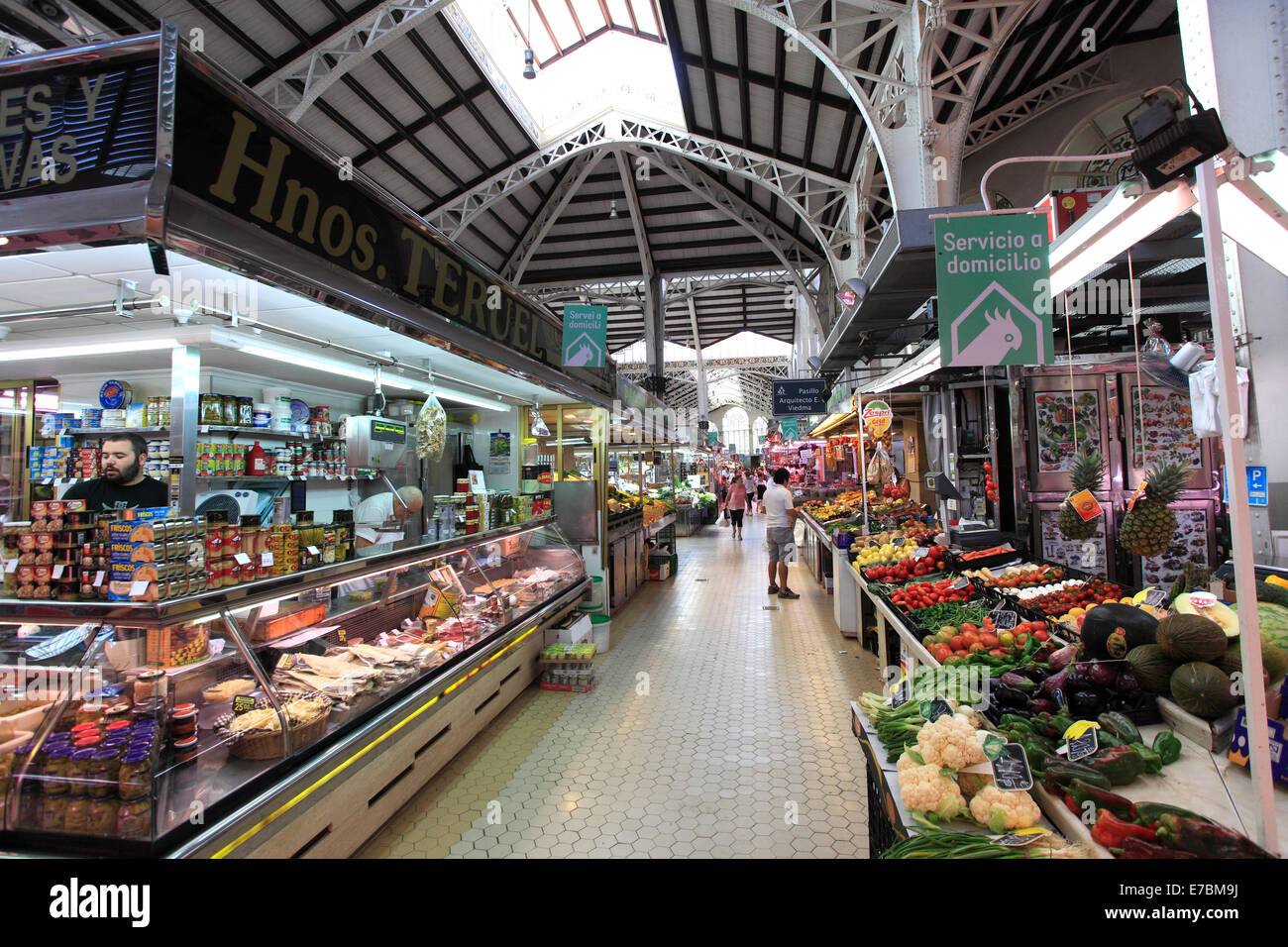 Indoor market stalls, sale of fruits and vegetables, Mercado Central, Central market, Valencia City, Spain, Europe. - Stock Image