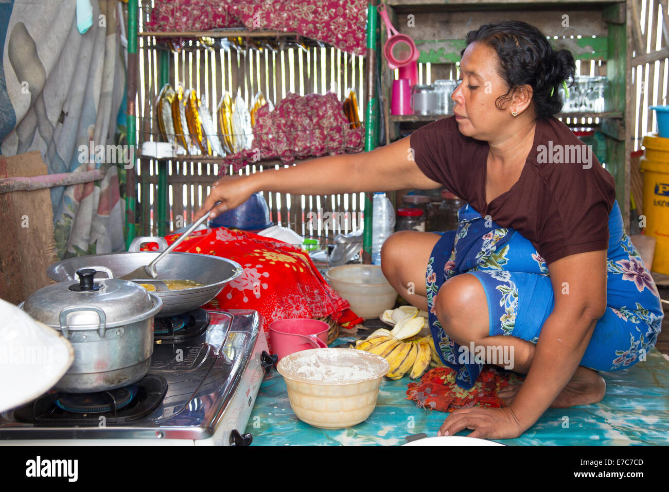 Frying banana's in the Floating village on the Tempe lake in Sulawesi, Indonesia - Stock Image