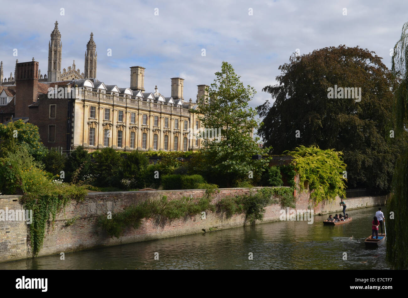 Punting in Cambridge August 2014 UK next to Kings College - Stock Image