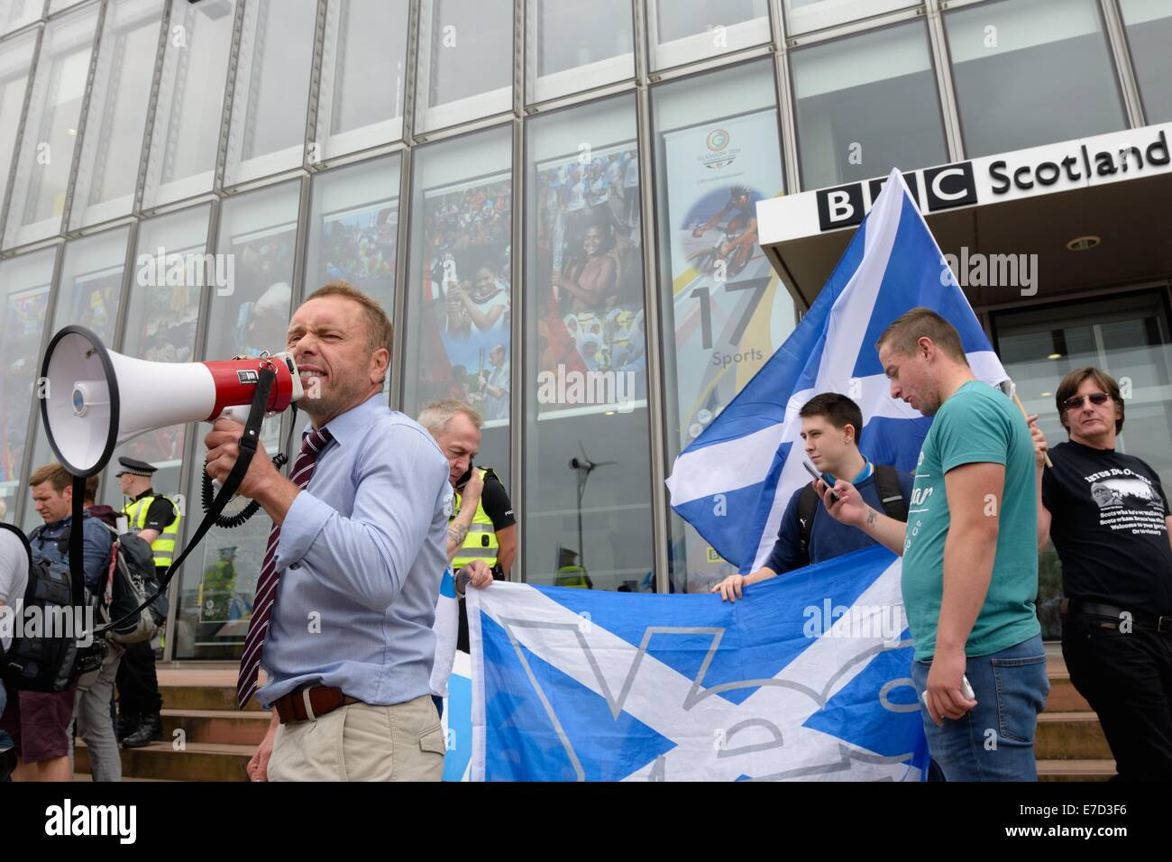 Glasgow, Scotland. 14th September, 2014. BBC Protest march. A significant amount of 'yes' voters marched through Stock Photo