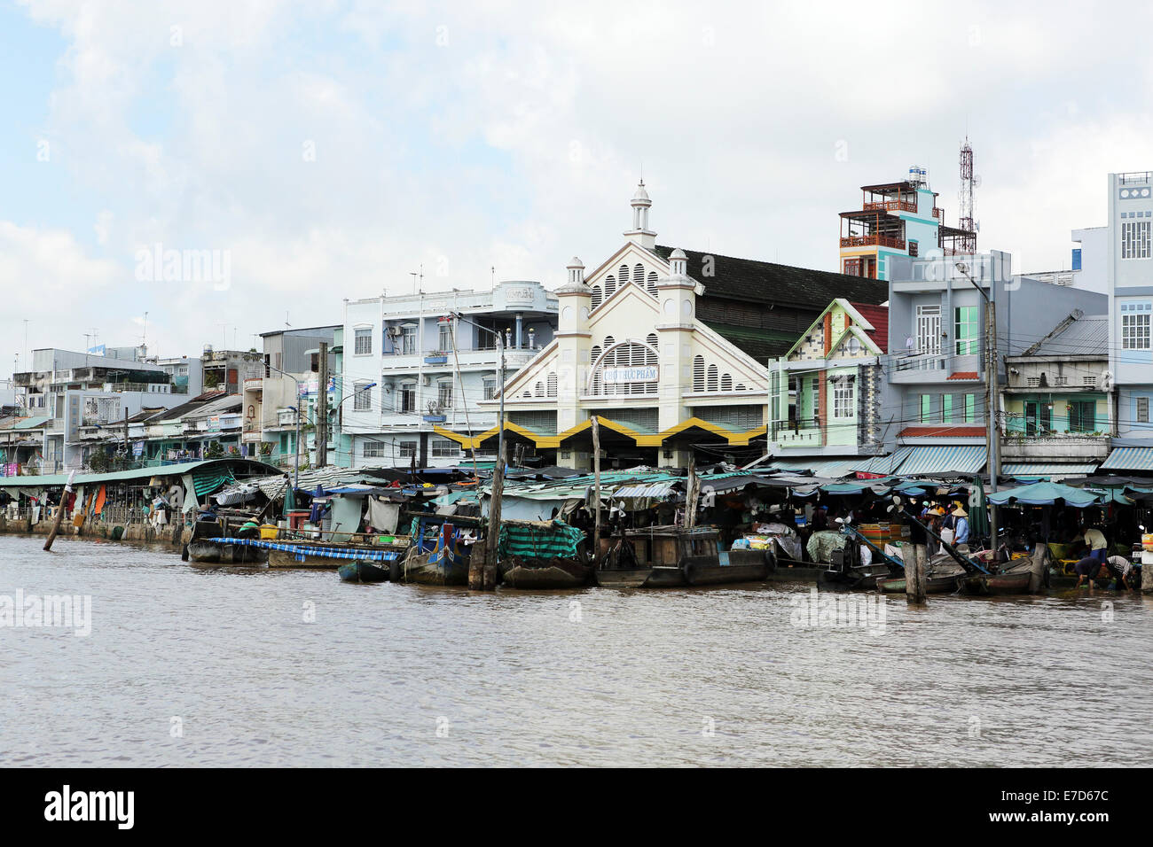 The local market the Mekong River in Sa Dec, Vietnam. - Stock Image
